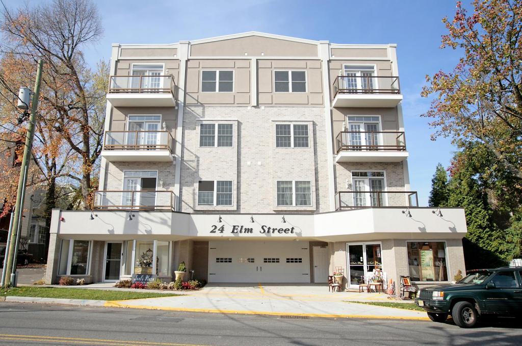 24 Elm St Unit 2D, Montclair, NJ, 07042