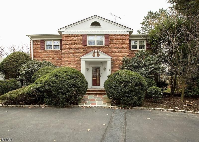 5 Hastings Lane, Livingston, NJ, 07039